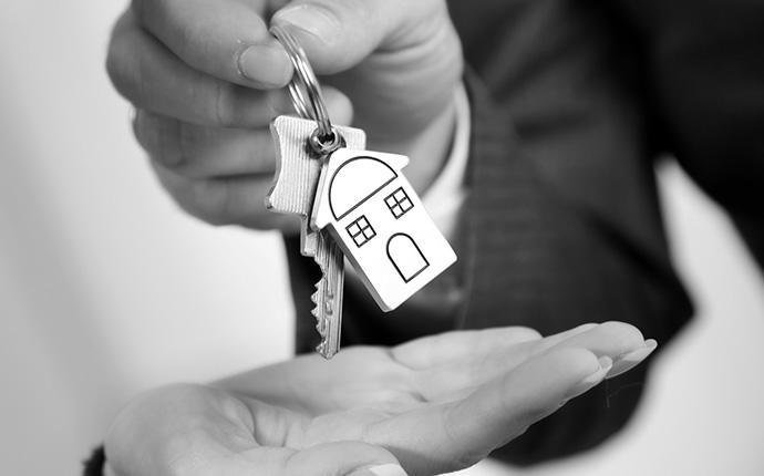 Schlüsselübergabe für Immobilie